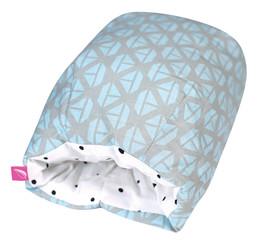 Kojicí polštářek rukávník Motherhood - modré lodičky