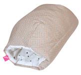 Kojicí polštářek rukávník Motherhood - růžové čtverce